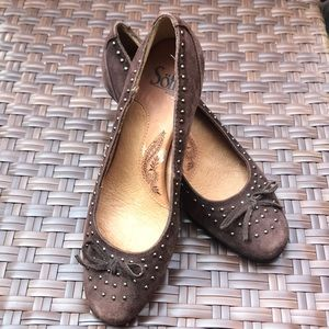 Sofft Brown Leather Gold Stud Heels Size 6